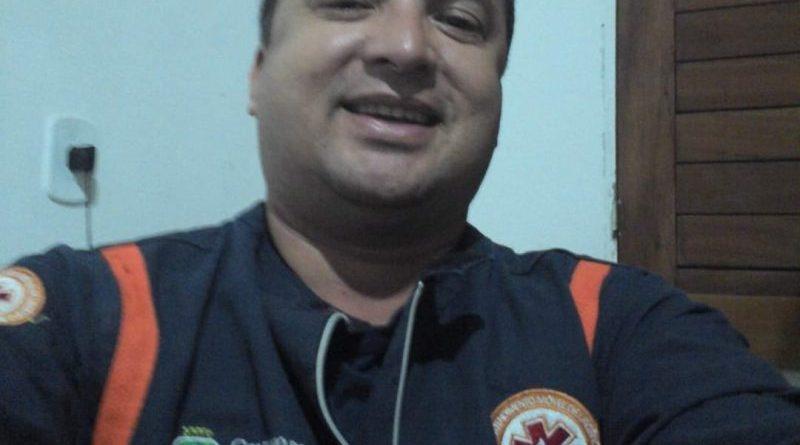 Flávio Nunes: o reflexo dos 5 mil profissionais de saúde que perderam a batalha contra a Covid-19