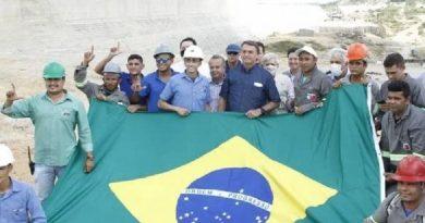 No RN, presidente Bolsonaro assina ordens de serviço para barragem e ramal na Transposição do São Francisco